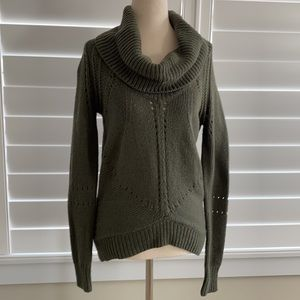 Cozy sweater for casual or office, size XS. LOFT